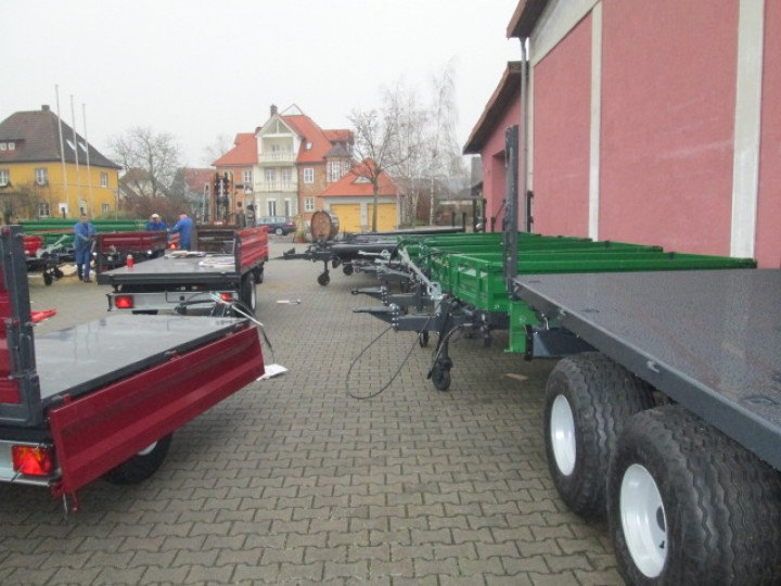 Tandem-Dreiseitenkipper 12,0 Tonnen